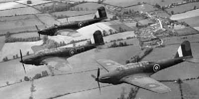 Fairey_Battle_-_12OTU_Benson_1940__foto_400x200.jpg, 23kB